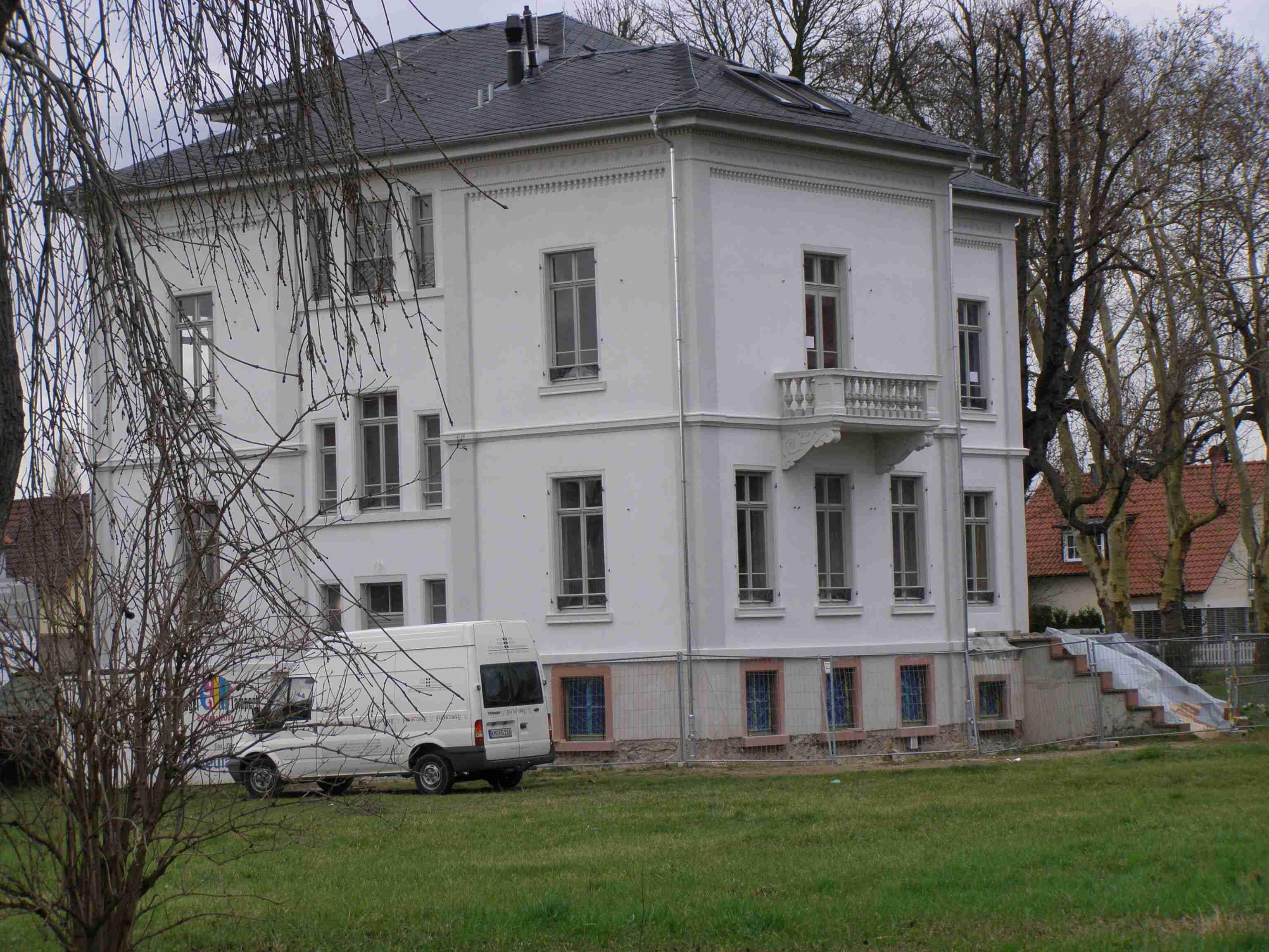 Villa Buechner vom Suedwesten im Dezember 2009