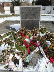 1303_Berlin_Friedhof_Maerzgefallene_PBrunner_19
