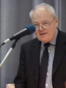 Johannesbreckner, Feuilletonchef beim Darmstädter Echo, bei seinem Grußwort